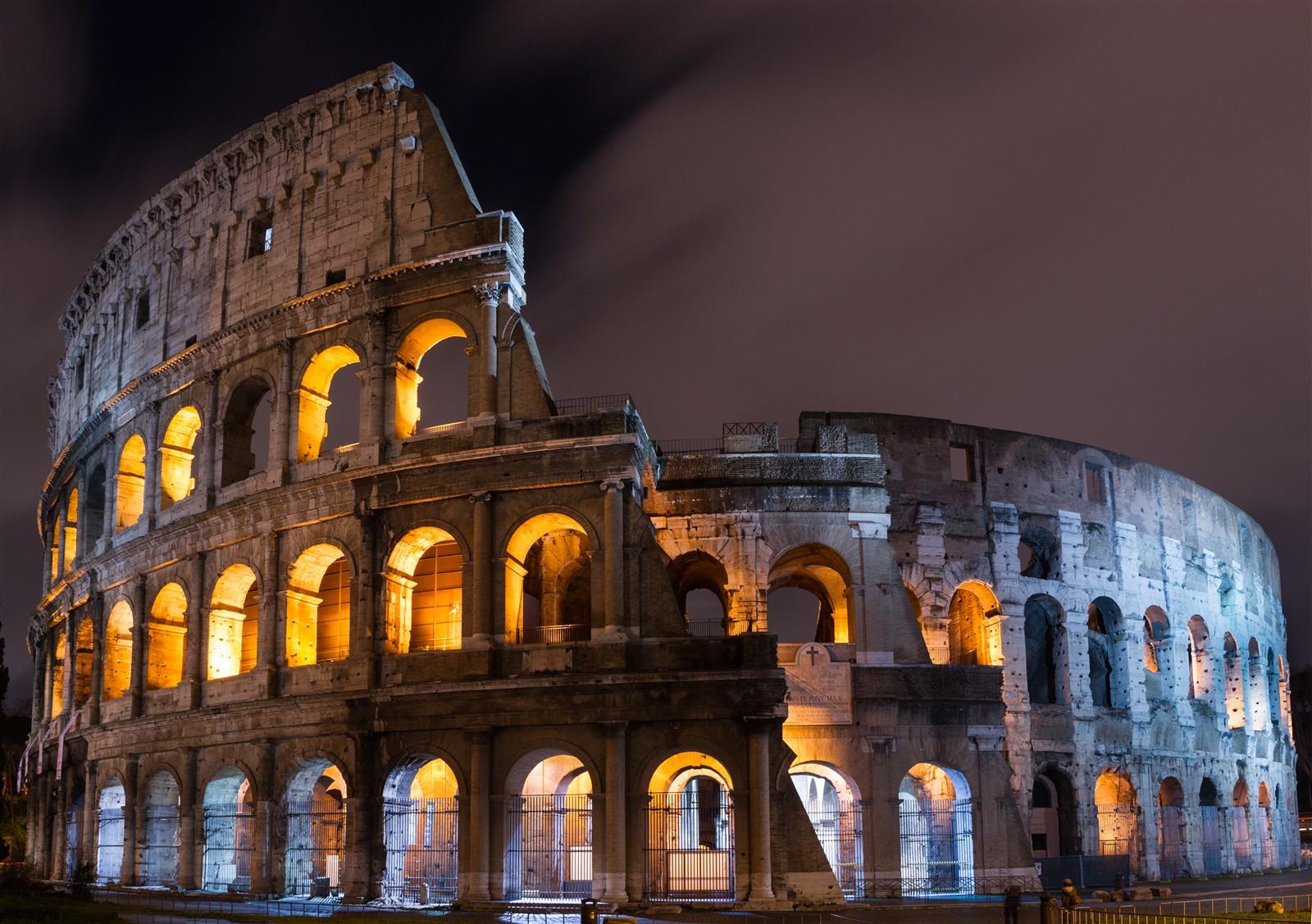 Roman Colosseum at Night: yakkosmurf: Galleries: Digital ...